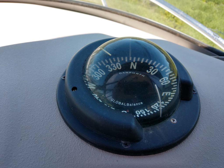 Larson-Cabrio 370 2007-My Tye XII Wiscasset-Maine-United States-Danforth Compass-1174473 | Thumbnail