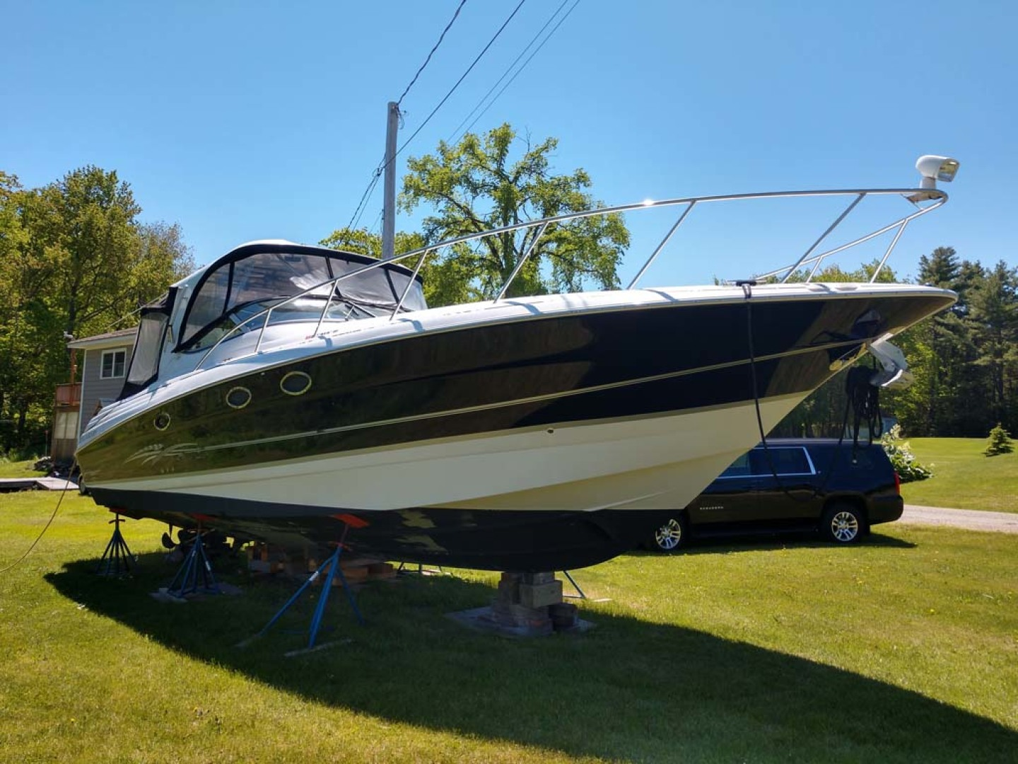 Larson-Cabrio 370 2007-My Tye XII Wiscasset-Maine-United States-Stbd Bow View-1174448 | Thumbnail