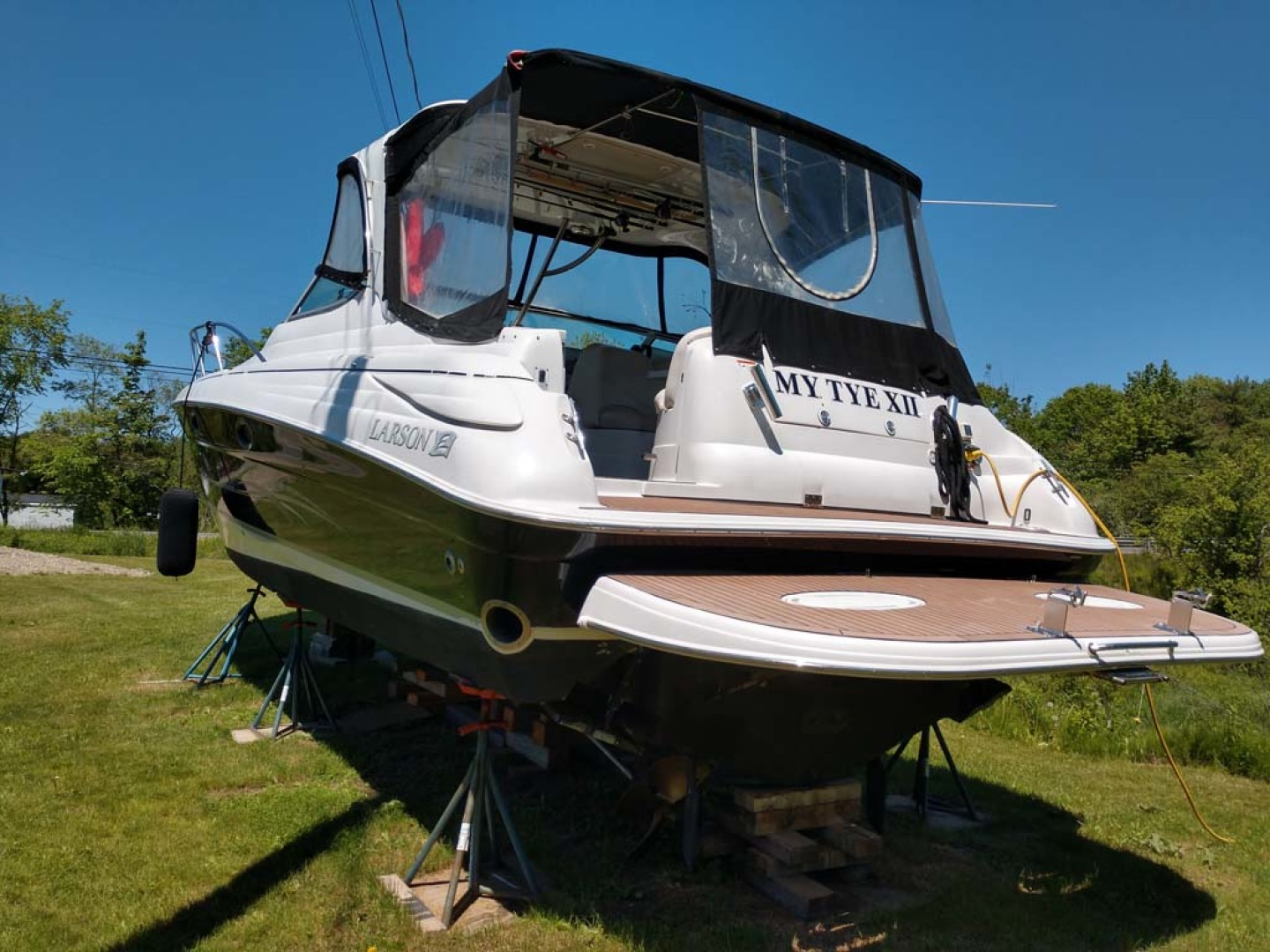 Larson-Cabrio 370 2007-My Tye XII Wiscasset-Maine-United States-Stern To Cockpit-1174459 | Thumbnail