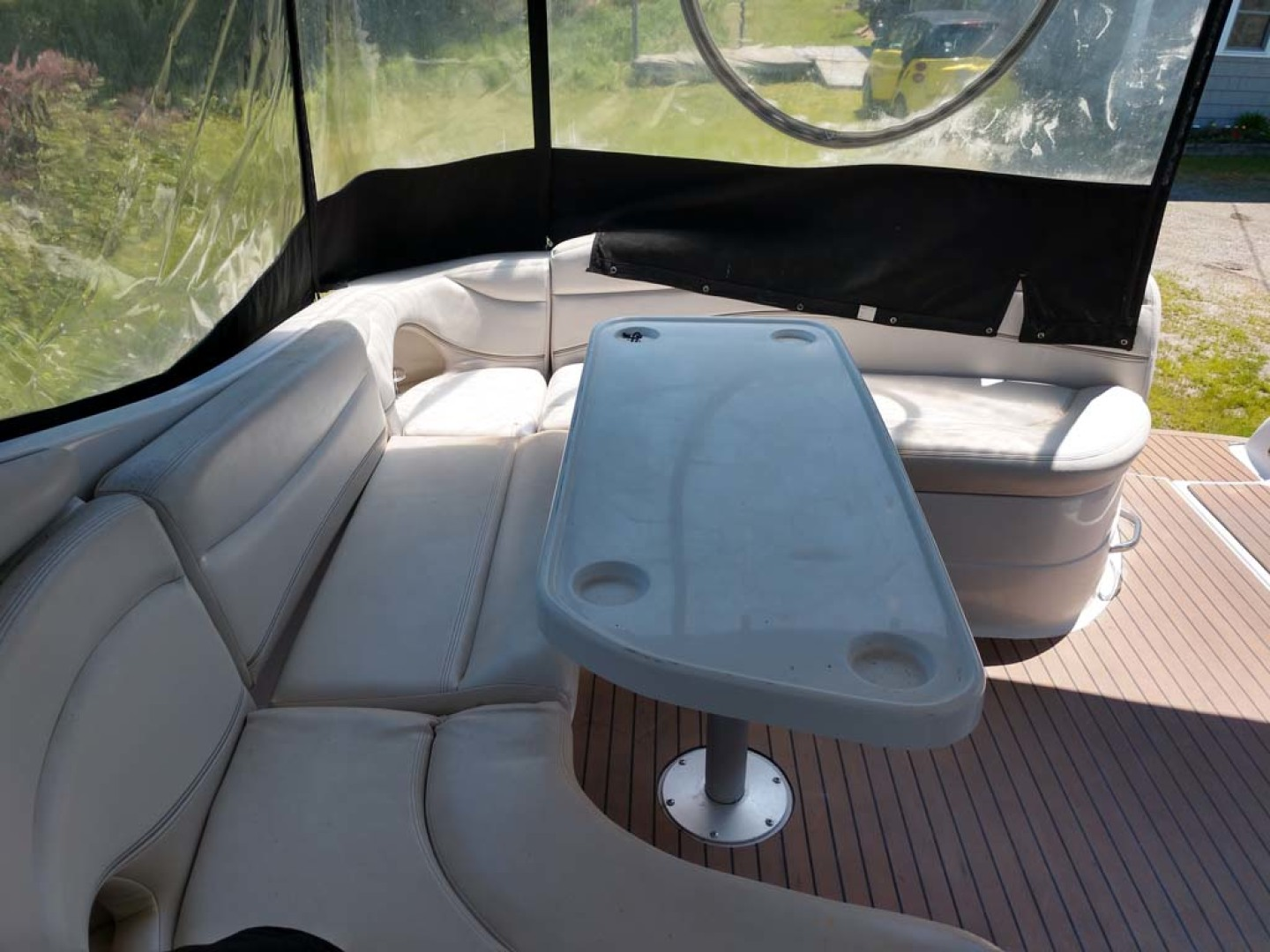 Larson-Cabrio 370 2007-My Tye XII Wiscasset-Maine-United States-Cockpit Seating, Table-1174463 | Thumbnail