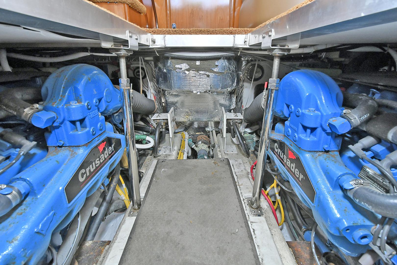 Carver-41 Cockpit Motor Yacht 2006-Uncle Joe Montauk-New York-United States-Engine Room-1175351   Thumbnail