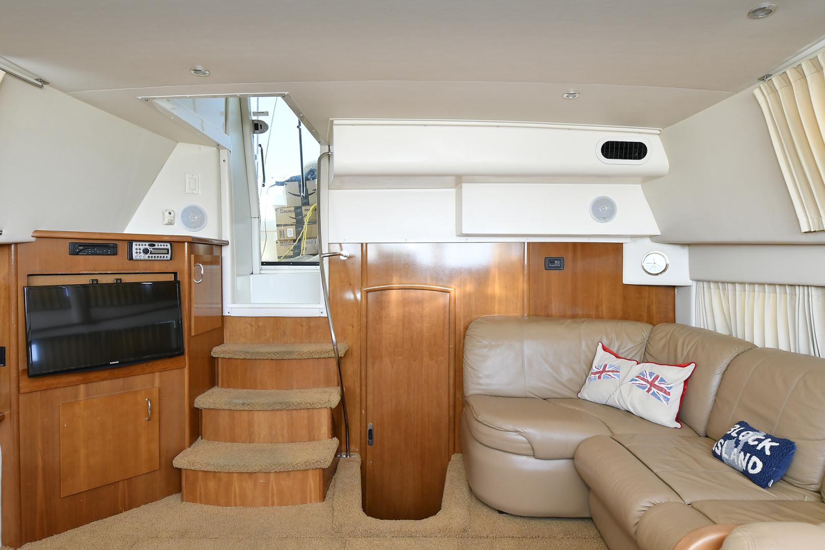 Carver-41 Cockpit Motor Yacht 2006-Uncle Joe Montauk-New York-United States-Salon Entry-1175338   Thumbnail