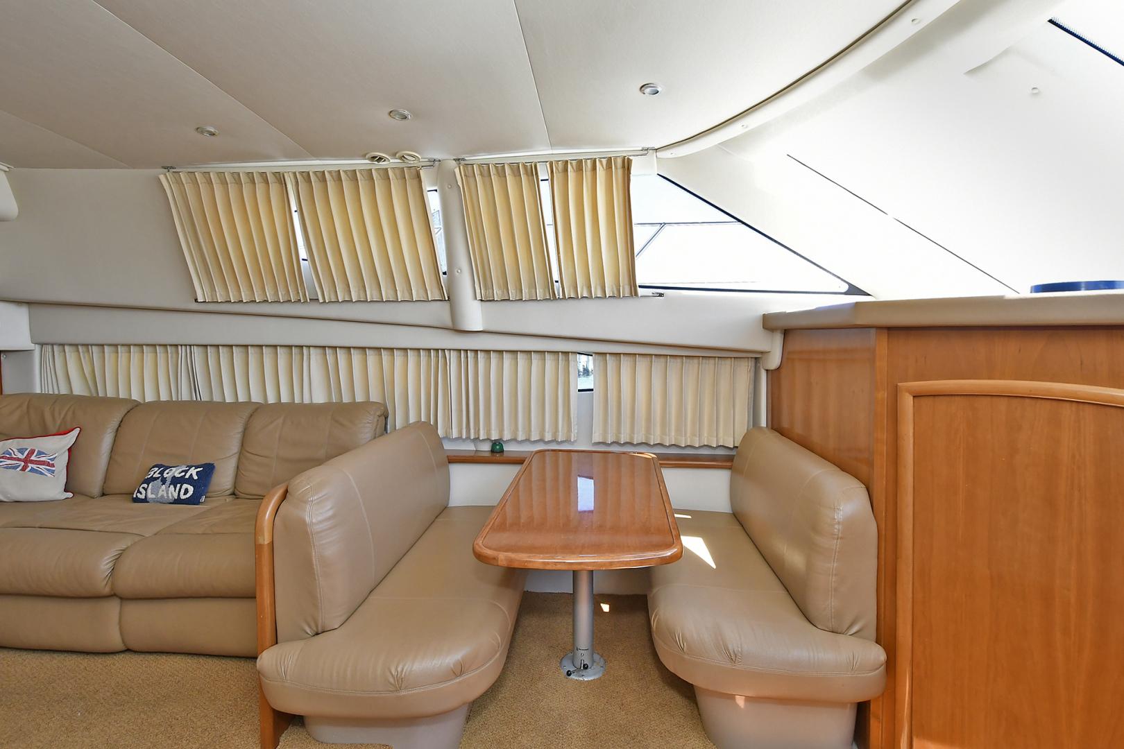 Carver-41 Cockpit Motor Yacht 2006-Uncle Joe Montauk-New York-United States-Dinette-1175342   Thumbnail
