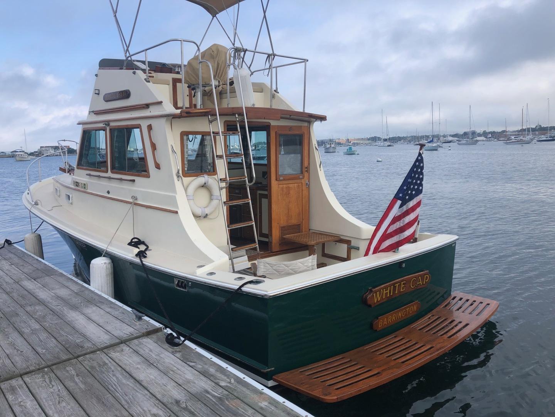 Blue Seas-31 Sedan 1983-White Cap Barrington-Rhode Island-United States-Profile  Port Aft-1222828   Thumbnail