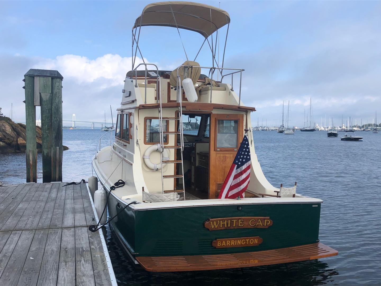 Blue Seas-31 Sedan 1983-White Cap Barrington-Rhode Island-United States-Stern View-1222832   Thumbnail