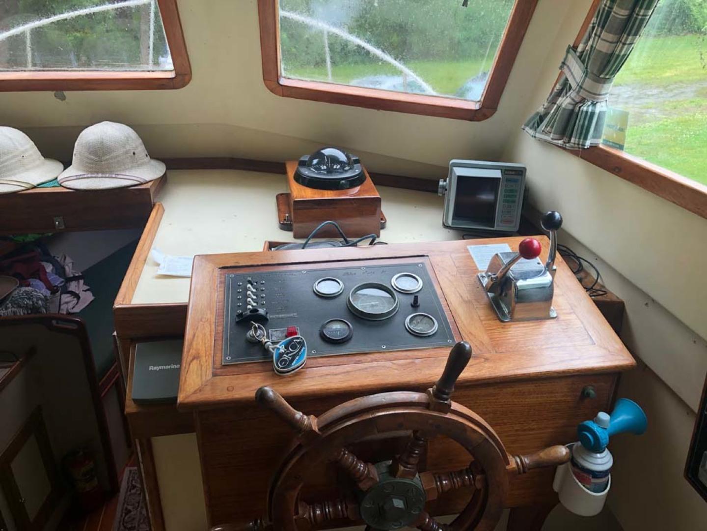 Blue Seas-31 Sedan 1983-White Cap Barrington-Rhode Island-United States-Pilothouse Helm-1175736   Thumbnail