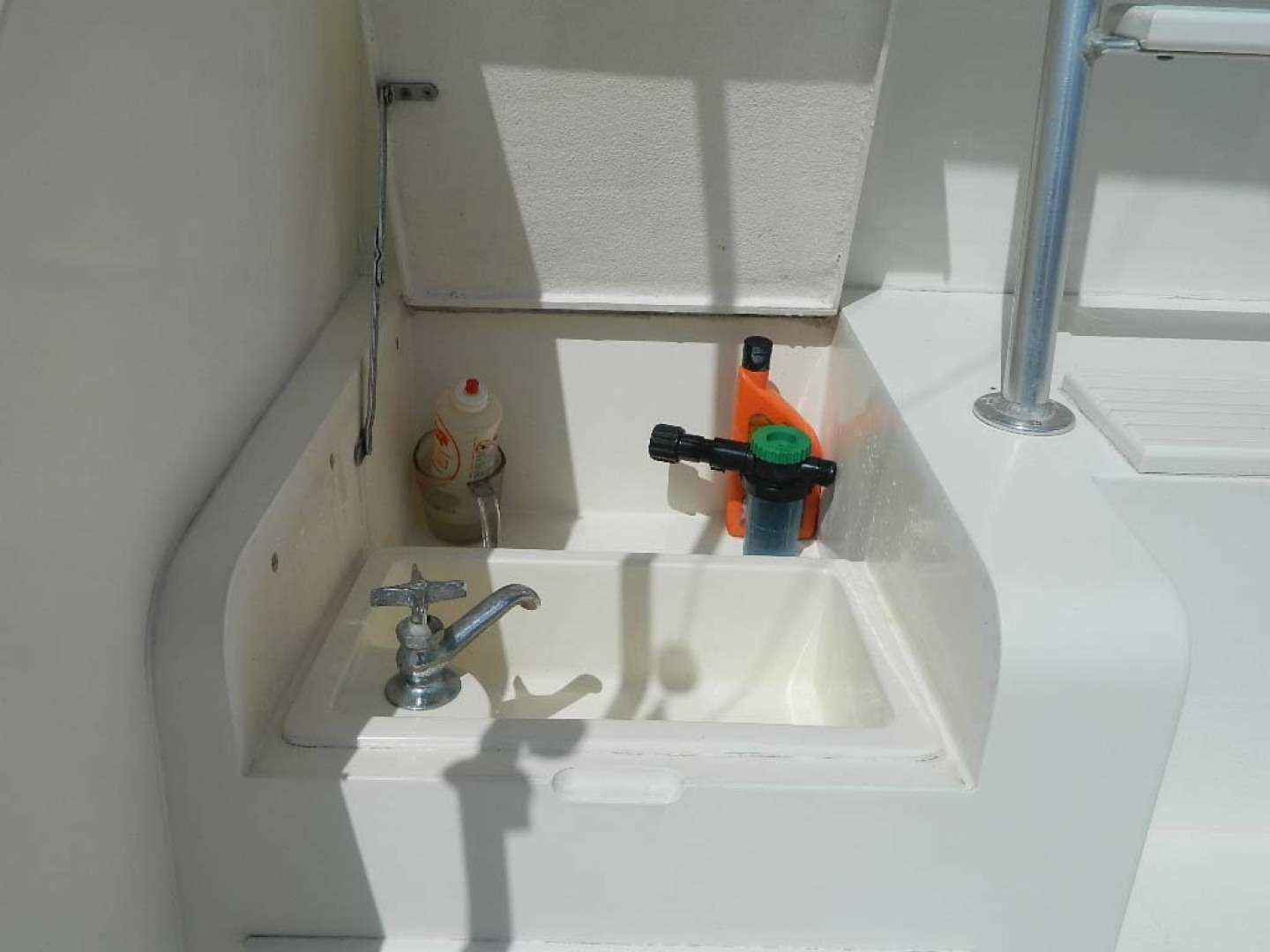 Post-Sport Fisherman 1994-Ingred Stuart-Florida-United States-Cockpit Sink-1176217 | Thumbnail