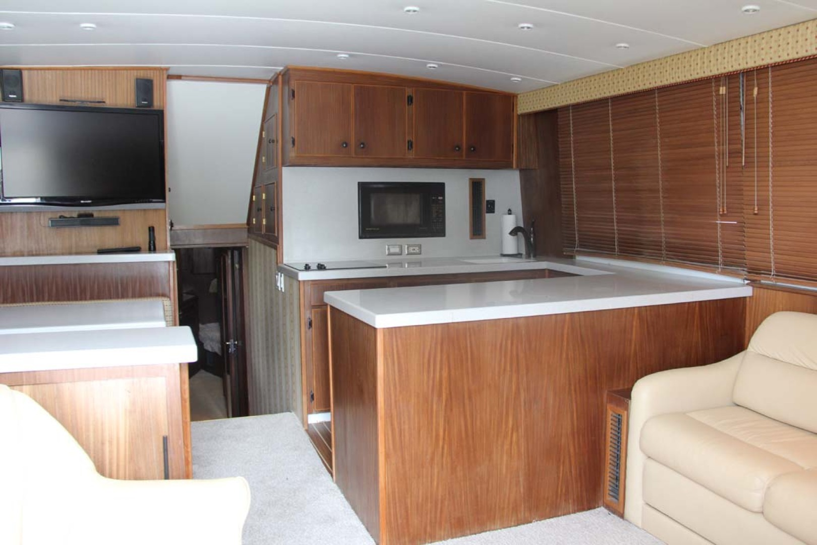 Hatteras-50 Convertible 1982-FATSO Orange Beach-Alabama-United States-18 Salon Forward   Galley-1179273 | Thumbnail