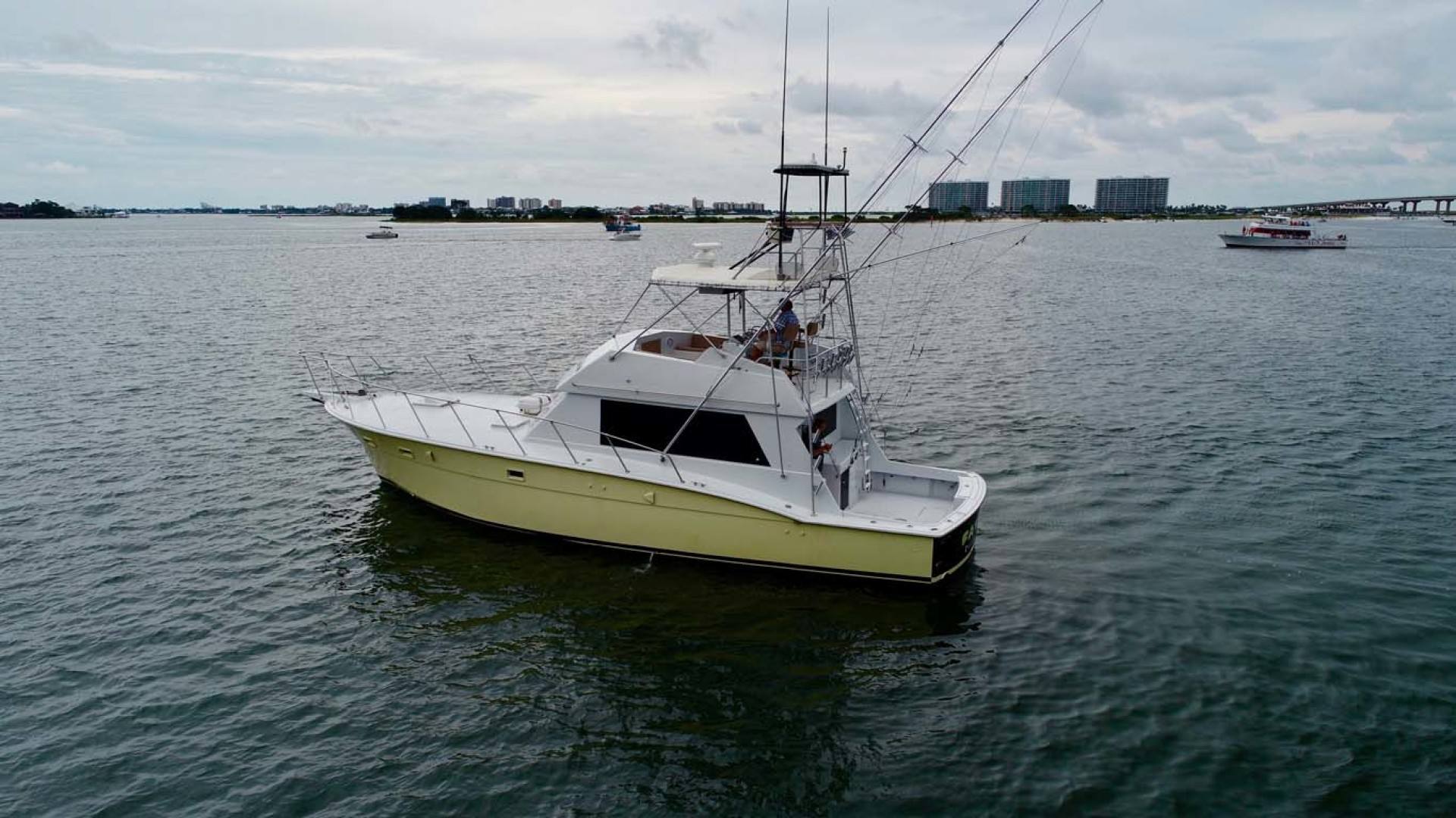 Hatteras-50 Convertible 1982-FATSO Orange Beach-Alabama-United States-4 Port Aft   In Water-1179259 | Thumbnail