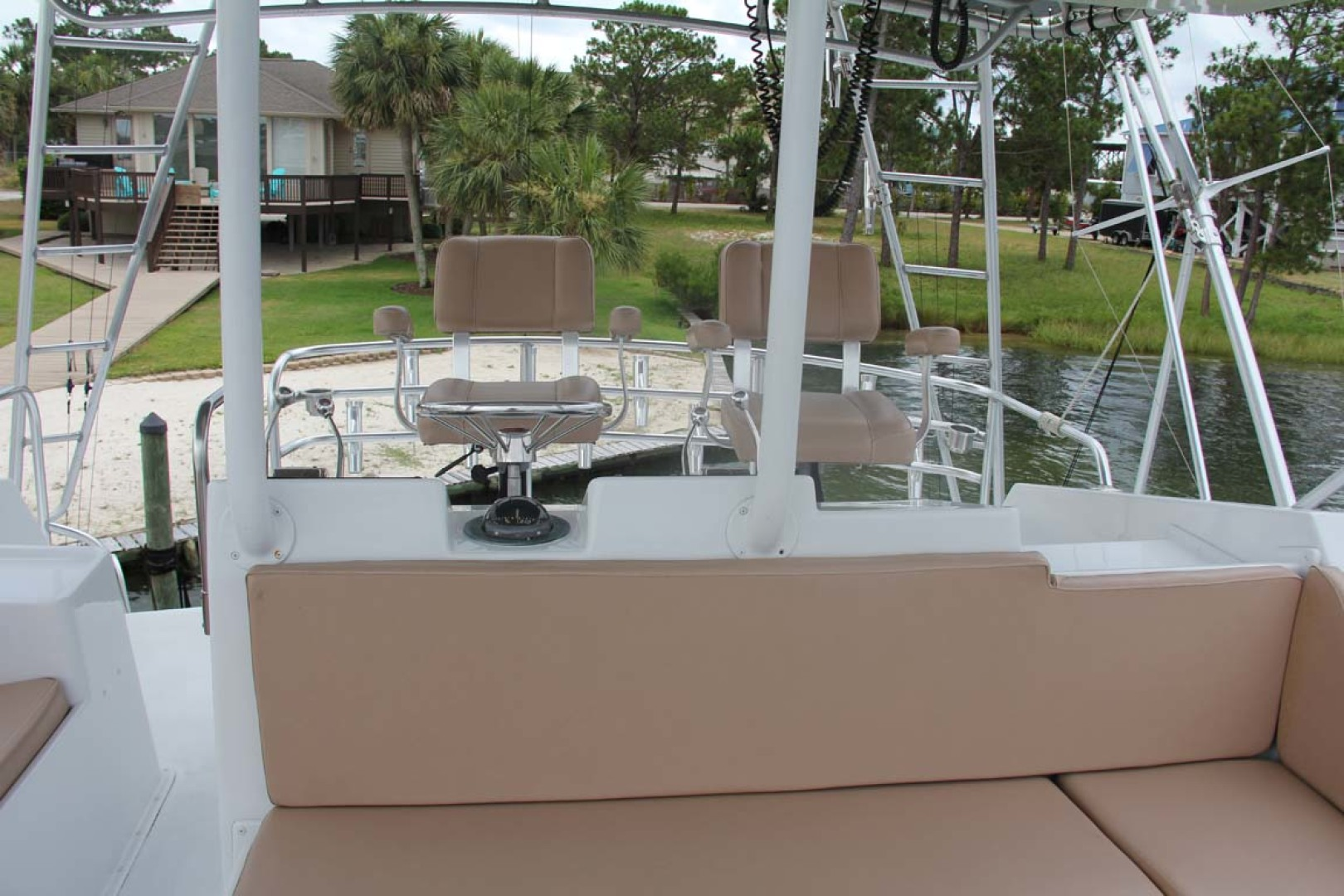 Hatteras-50 Convertible 1982-FATSO Orange Beach-Alabama-United States-12 Flybridge To Aft-1179267 | Thumbnail