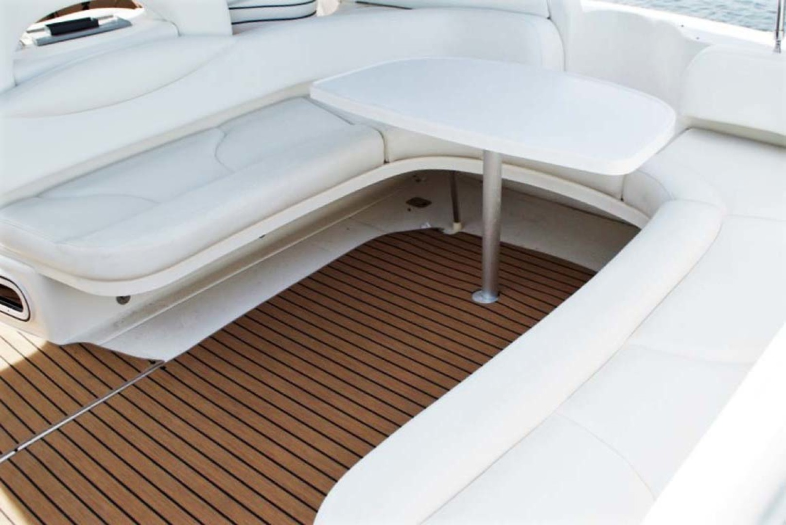 Sea Ray-380 Sundancer 2004-The Gumar II Freeport-New York-United States-Cockpit-1181078 | Thumbnail