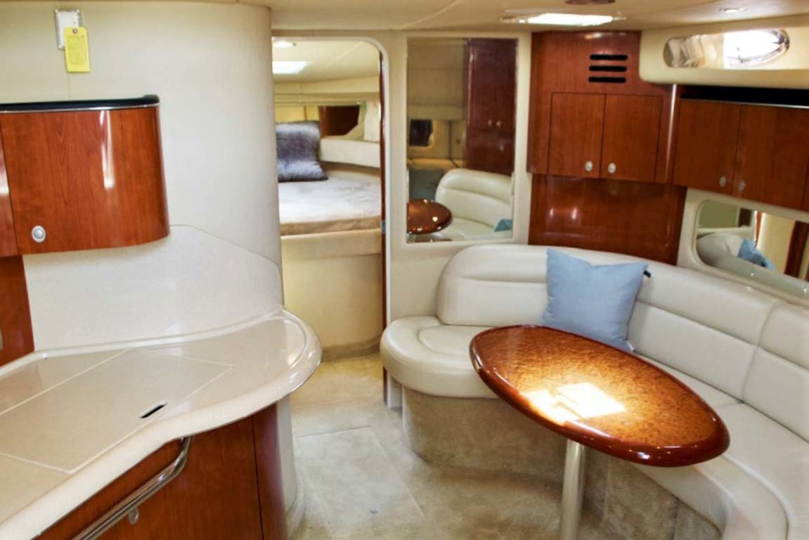 Sea Ray-380 Sundancer 2004-The Gumar II Freeport-New York-United States-Salon-1181064 | Thumbnail