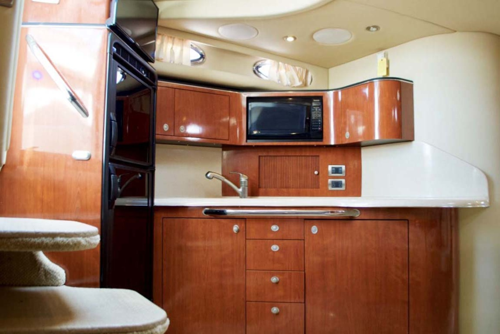 Sea Ray-380 Sundancer 2004-The Gumar II Freeport-New York-United States-Galley-1181069 | Thumbnail