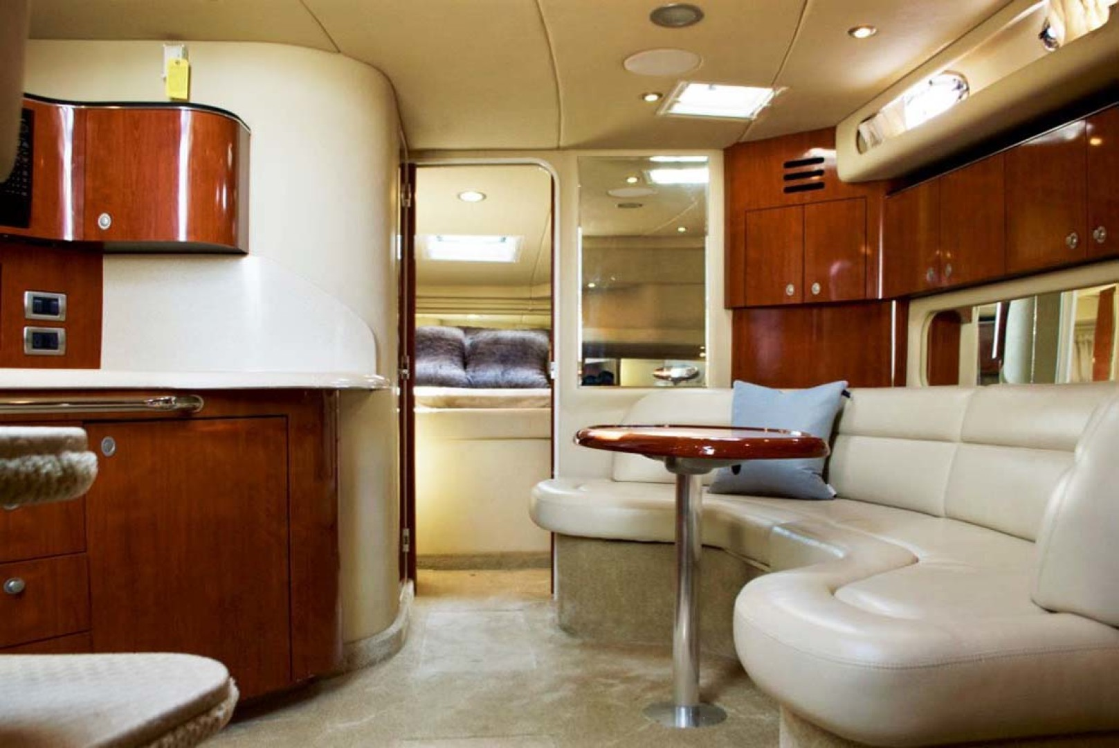 Sea Ray-380 Sundancer 2004-The Gumar II Freeport-New York-United States-Salon Layout-1181065 | Thumbnail