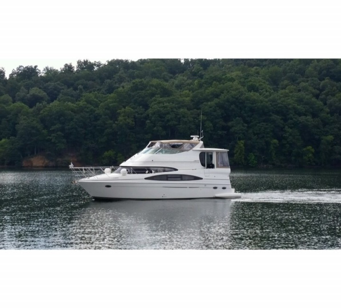 Picture Of: 46' Carver 466 Carver Aft Cabin 2004 Yacht For Sale | 1 of 47