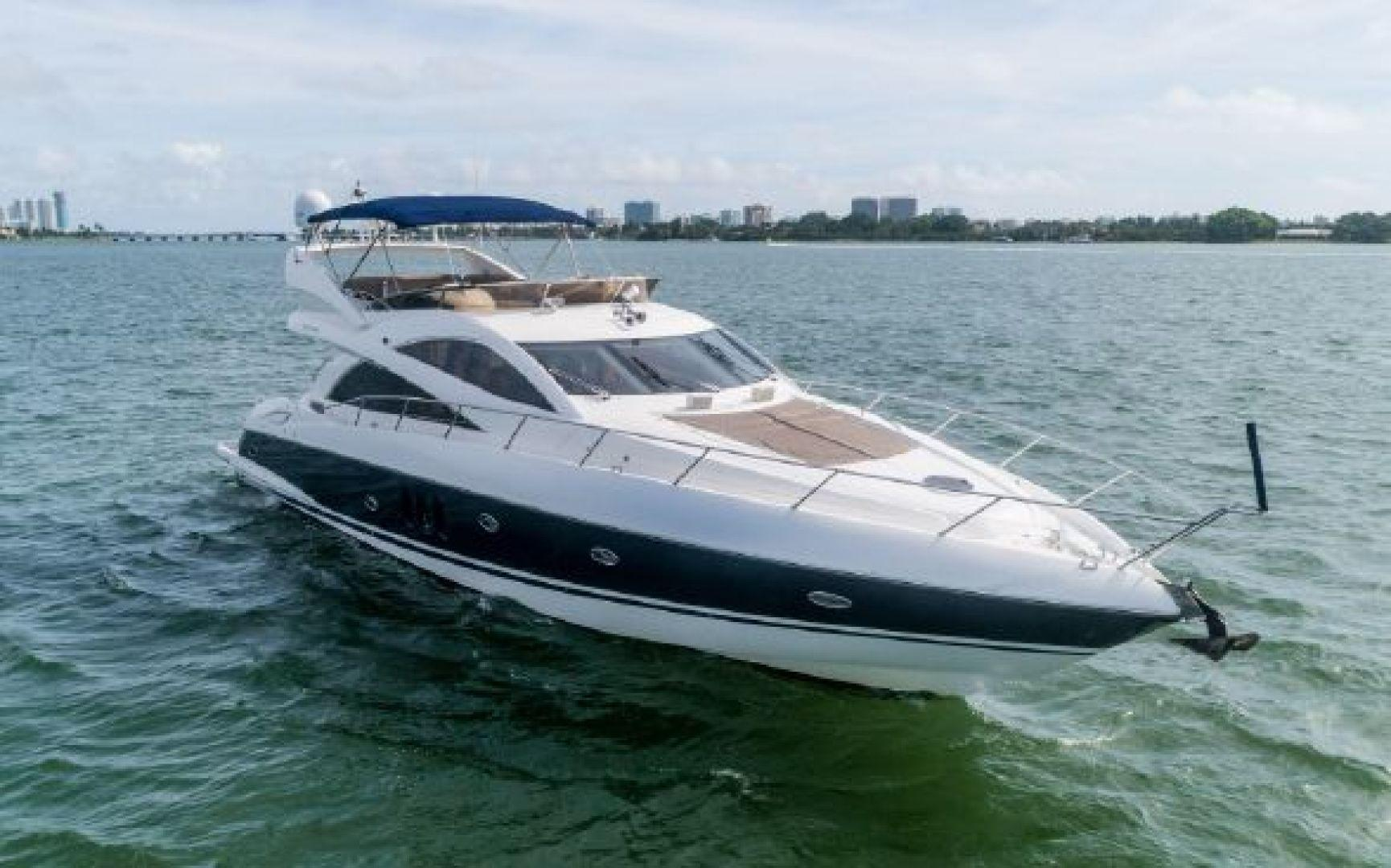 Picture Of: 72' Sunseeker 66 Manhattan 2007 Yacht For Sale | 2 of 37