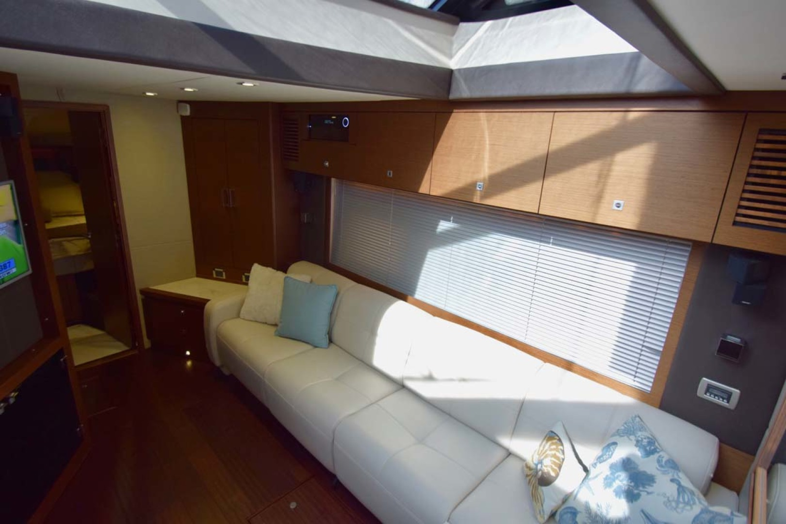 Sea Ray-510 Sundancer 2015 -Ft Lauderdale-Florida-United States-Lower Salon With View To V Berth Guest Cabin-1189931 | Thumbnail