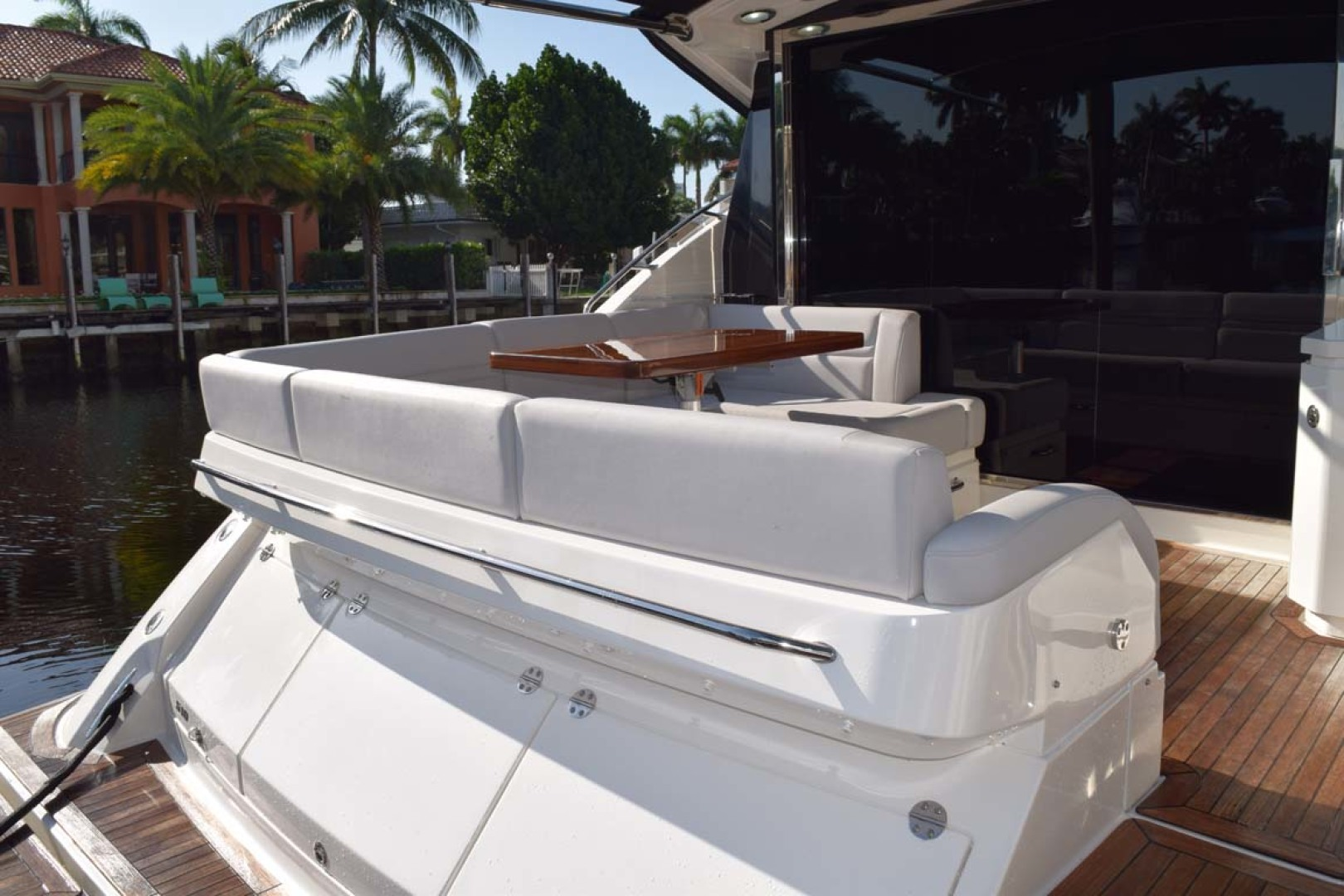Sea Ray-510 Sundancer 2015 -Ft Lauderdale-Florida-United States-Aft Deck View Into Aft Seating From Swim Platform-1189916 | Thumbnail
