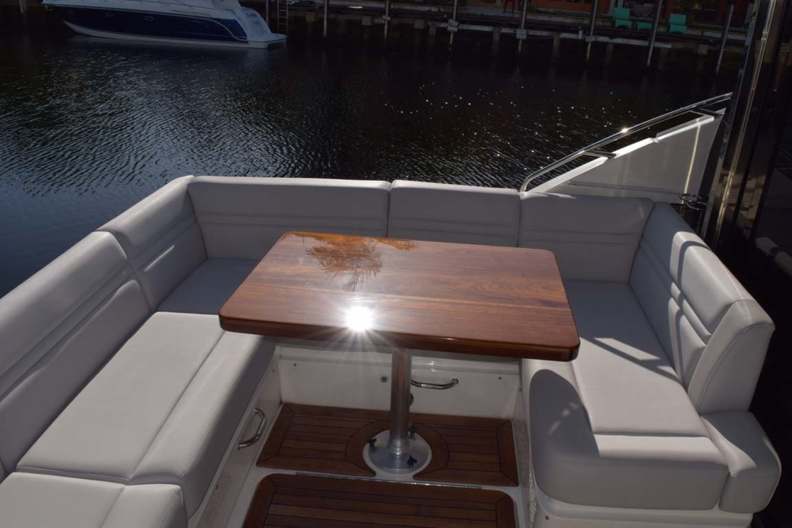 Sea Ray-510 Sundancer 2015 -Ft Lauderdale-Florida-United States-Aft Deck Seating With Veneer Table-1189913 | Thumbnail