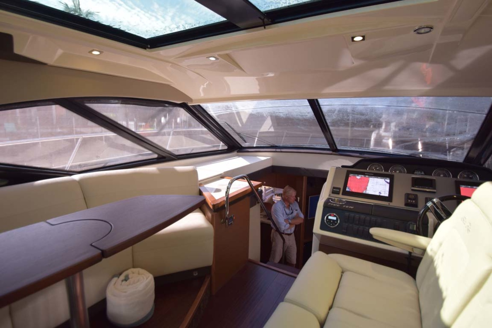 Sea Ray-510 Sundancer 2015 -Ft Lauderdale-Florida-United States-Salon View Towards Stairs For Lower Deck-1189926 | Thumbnail