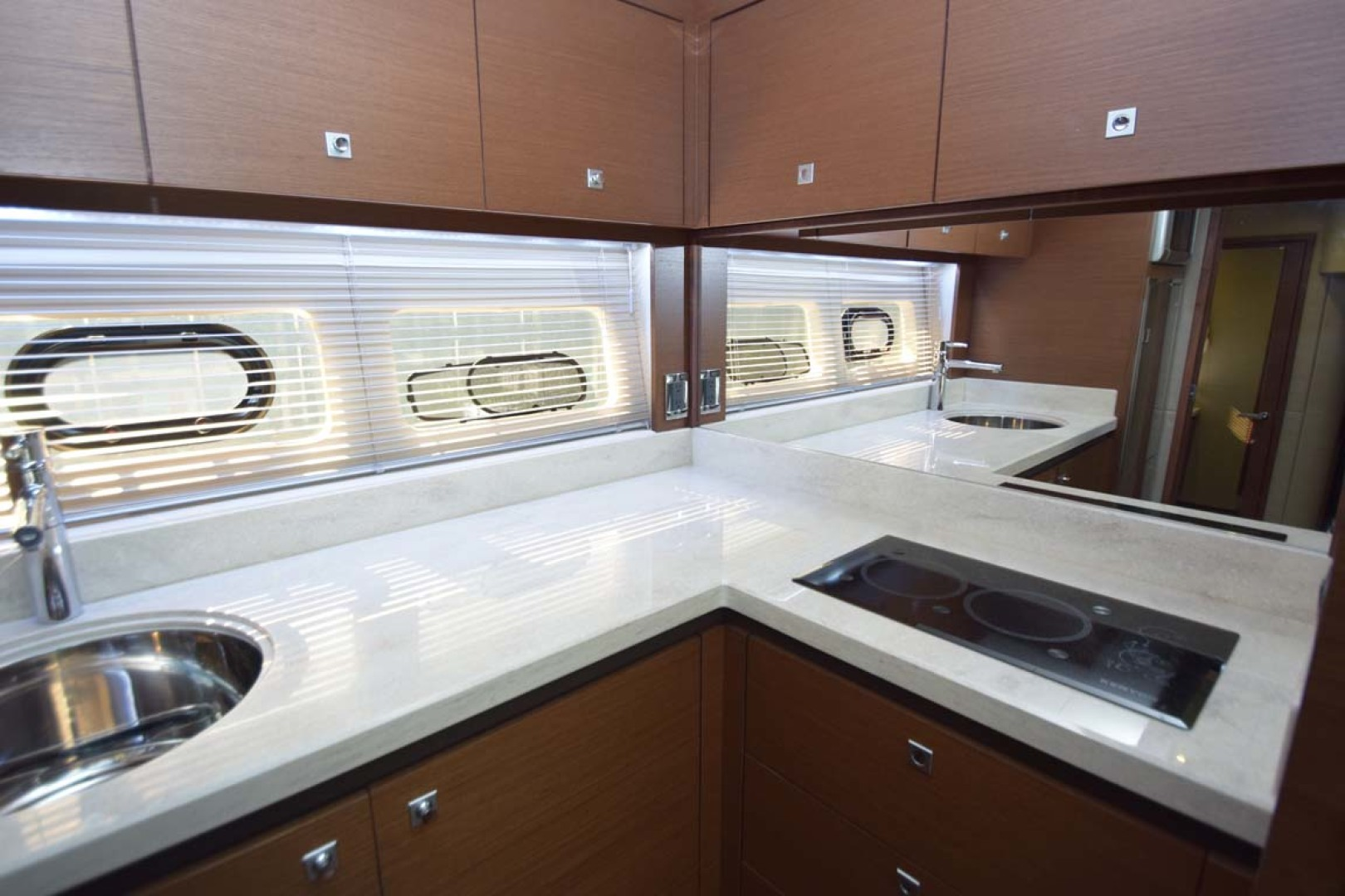 Sea Ray-510 Sundancer 2015 -Ft Lauderdale-Florida-United States-Galley Detail Sink And Cooktop-1189935 | Thumbnail