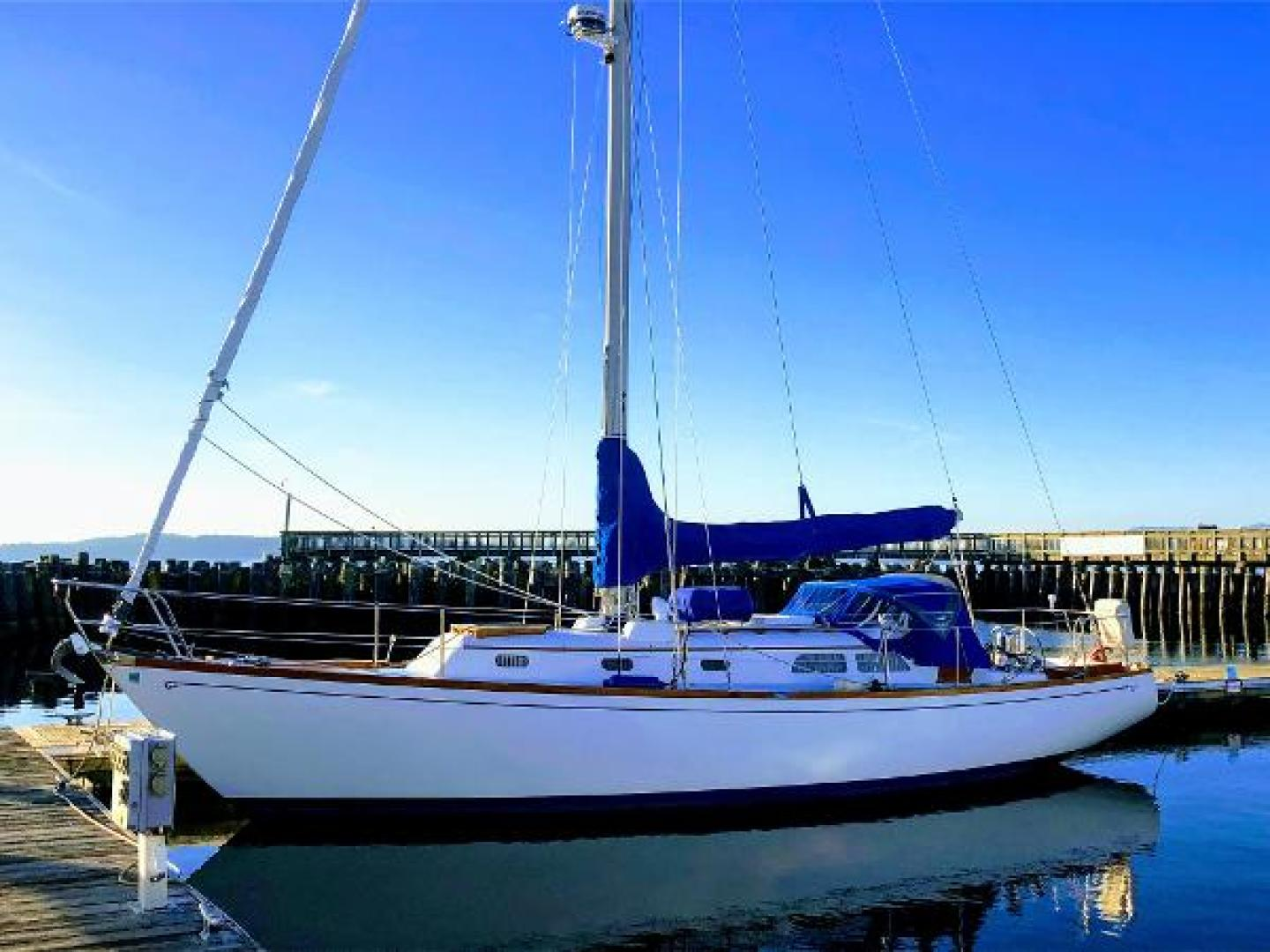 Picture Of: 37' Hinckley 38 1969 Yacht For Sale | 1 of 57