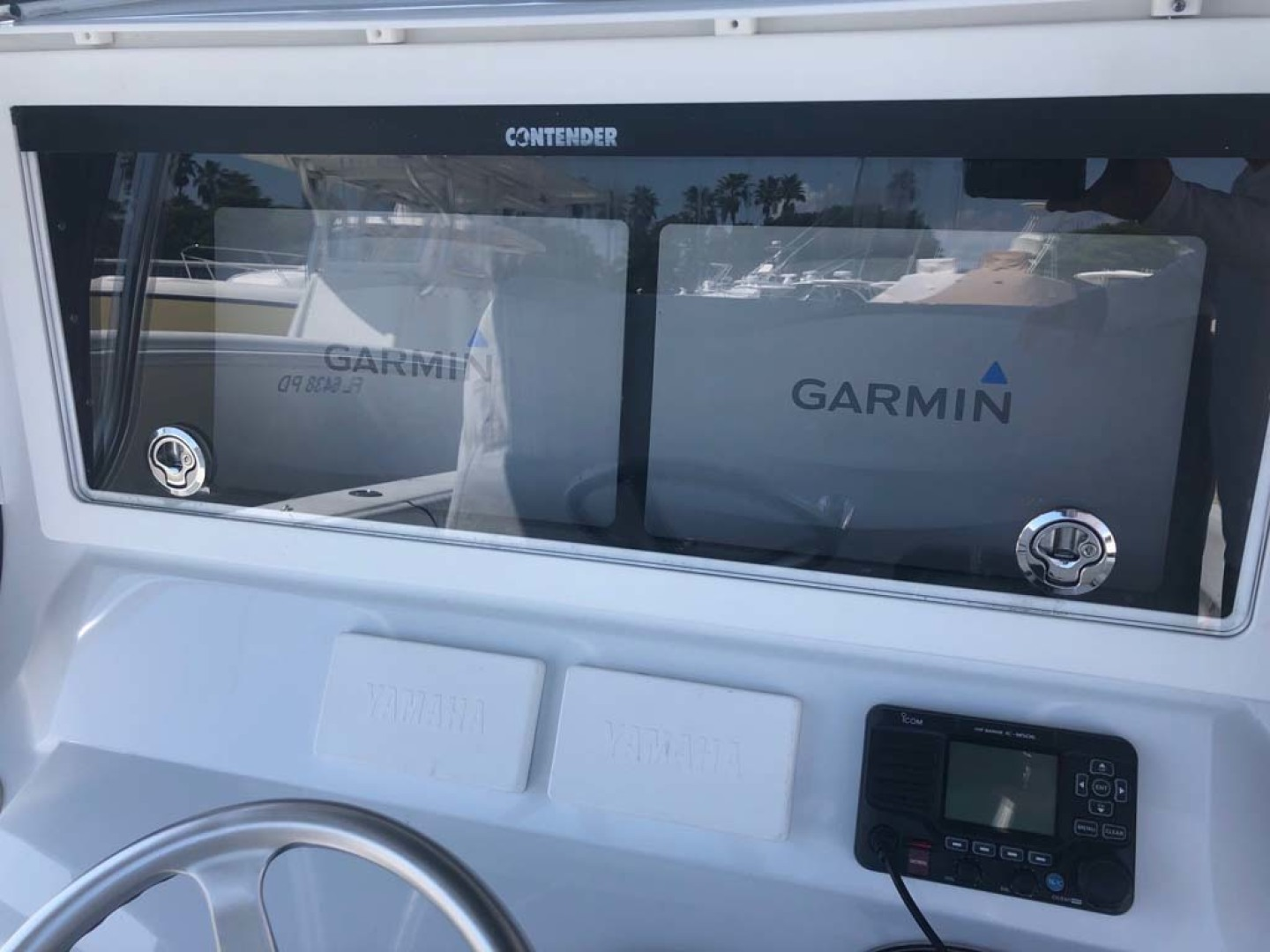 Contender-Center Console 2016 -Key Largo-Florida-United States-Garmin Electronics-1191275 | Thumbnail