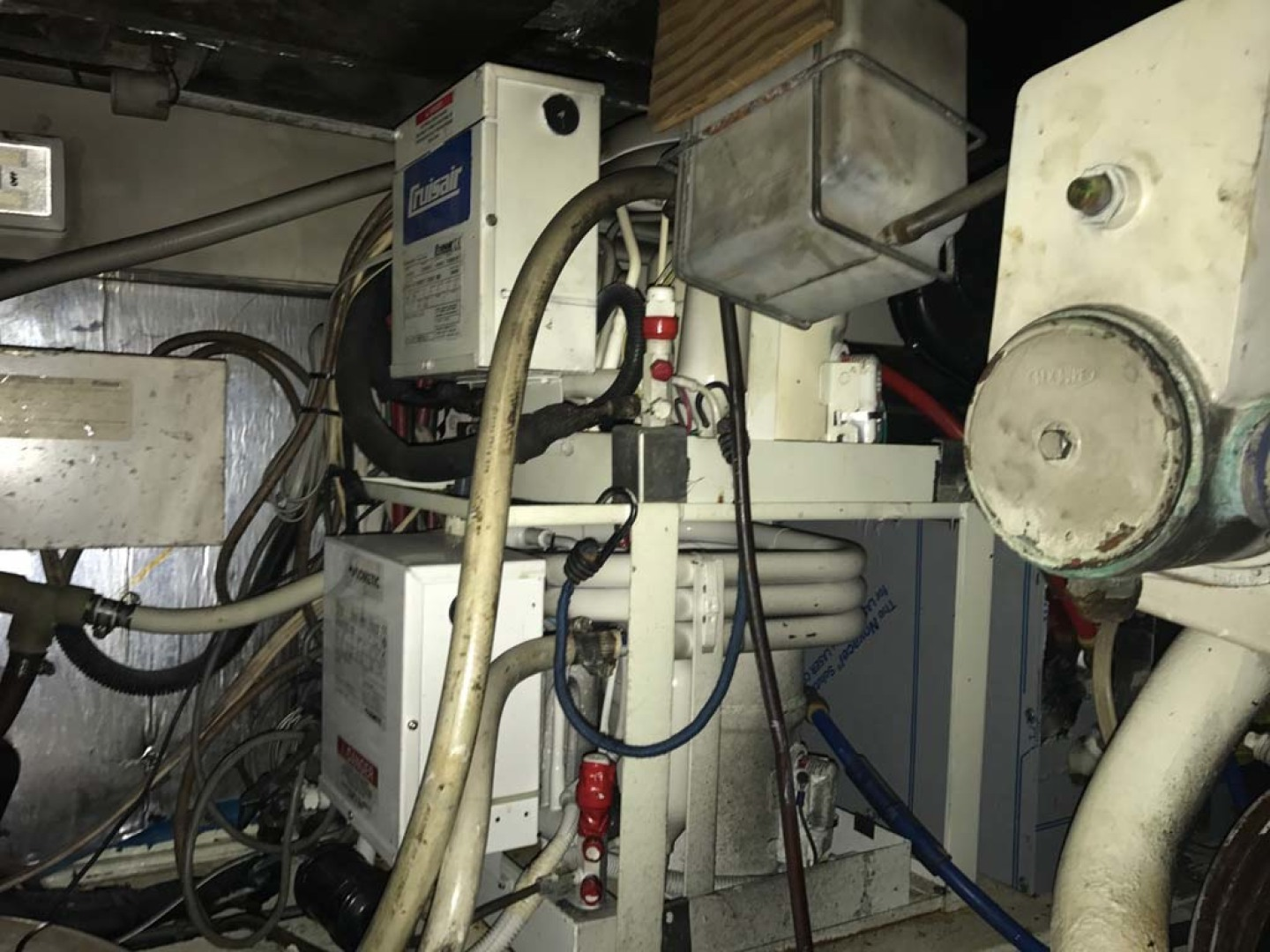 Ocean Yachts-Super Sport 1991-Reel Chaos St. Augustine-Florida-United States-Engine Room-1191669 | Thumbnail