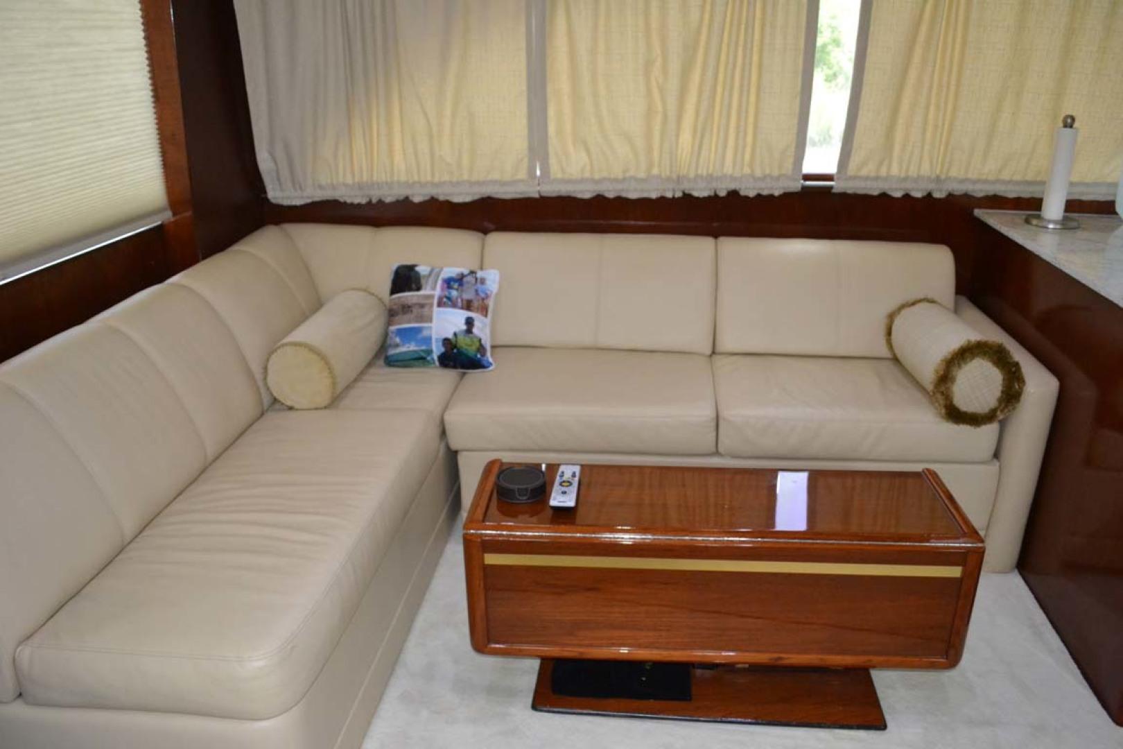 Ocean Yachts-Super Sport 1991-Reel Chaos St. Augustine-Florida-United States-Salon Settee-1191651 | Thumbnail