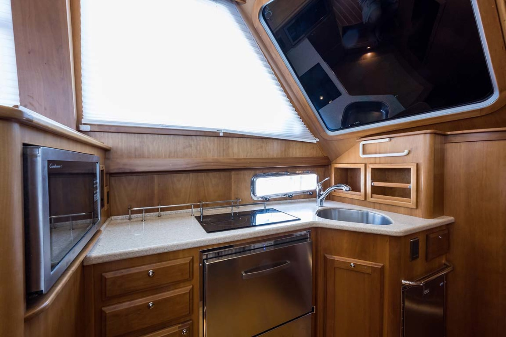 Sabre-Flybridge 2010-Blue Moon Jacksonville-Florida-United States-Galley-1193513 | Thumbnail