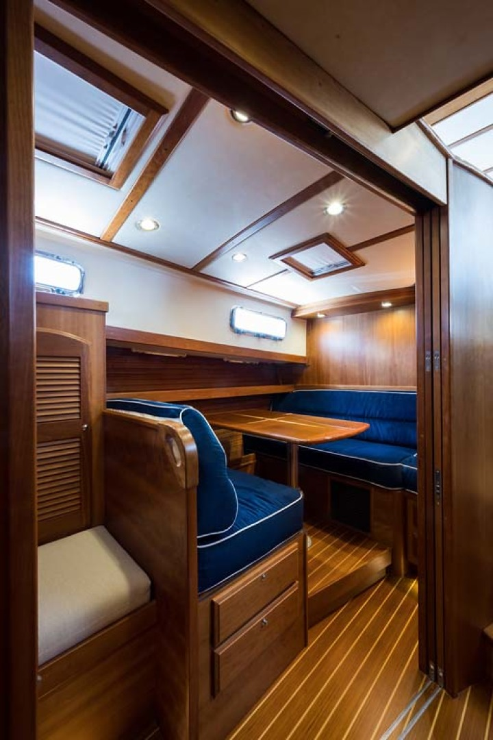 Sabre-Flybridge 2010-Blue Moon Jacksonville-Florida-United States-Convertible Dinette-1193515 | Thumbnail