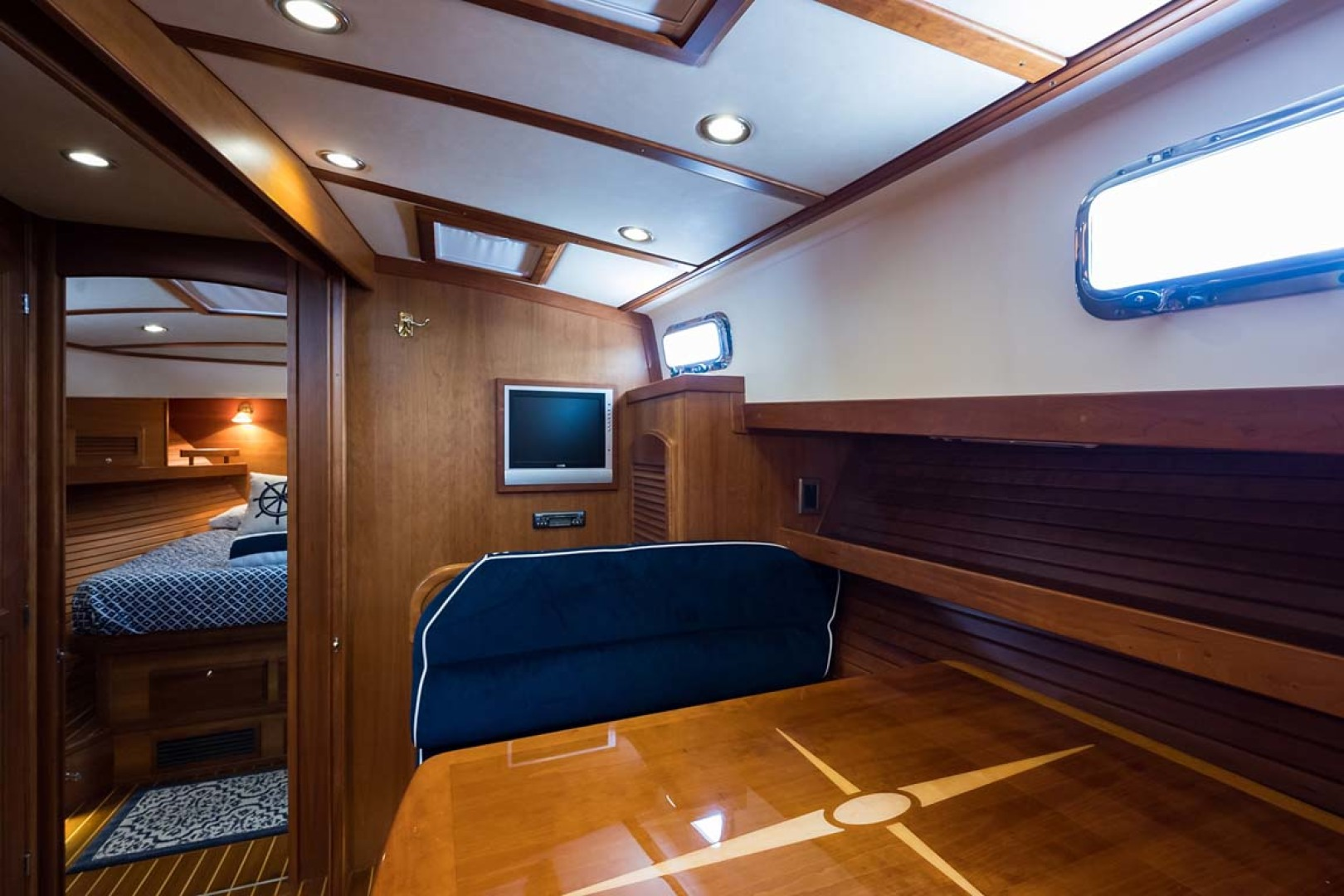 Sabre-Flybridge 2010-Blue Moon Jacksonville-Florida-United States-Convertible Dinette-1193518 | Thumbnail