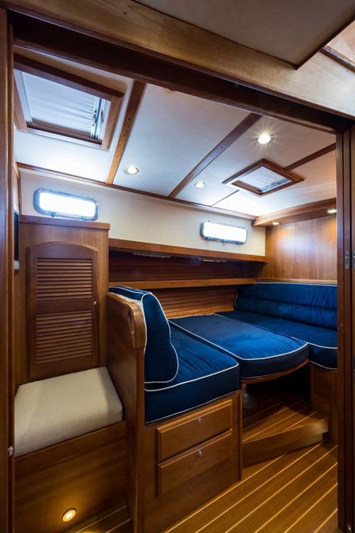 Sabre-Flybridge 2010-Blue Moon Jacksonville-Florida-United States-Convertible Dinette-1193516 | Thumbnail