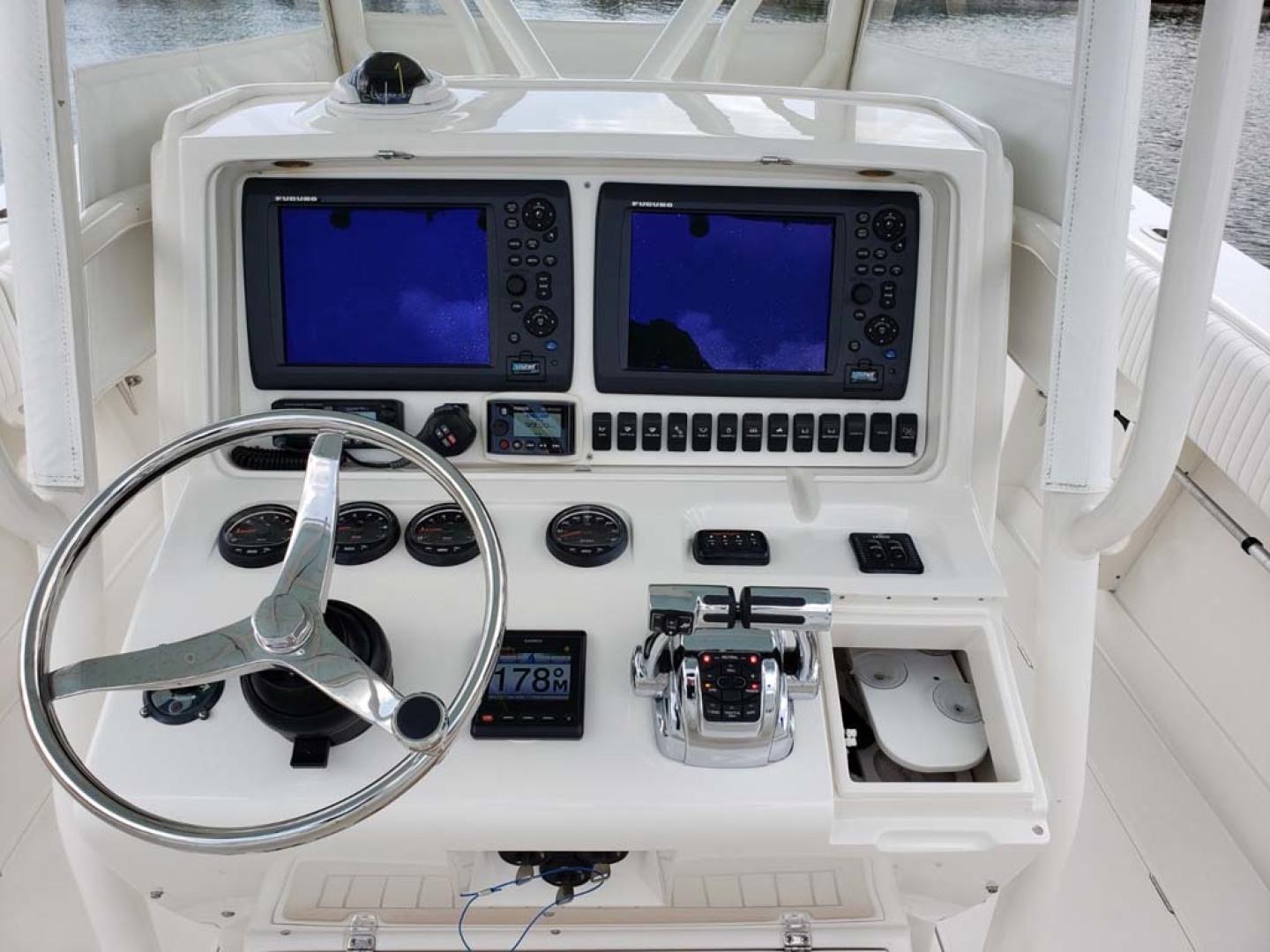 Jupiter-Center Console 2008-Knot Well North Miami-Georgia-United States-Helm-1193656 | Thumbnail