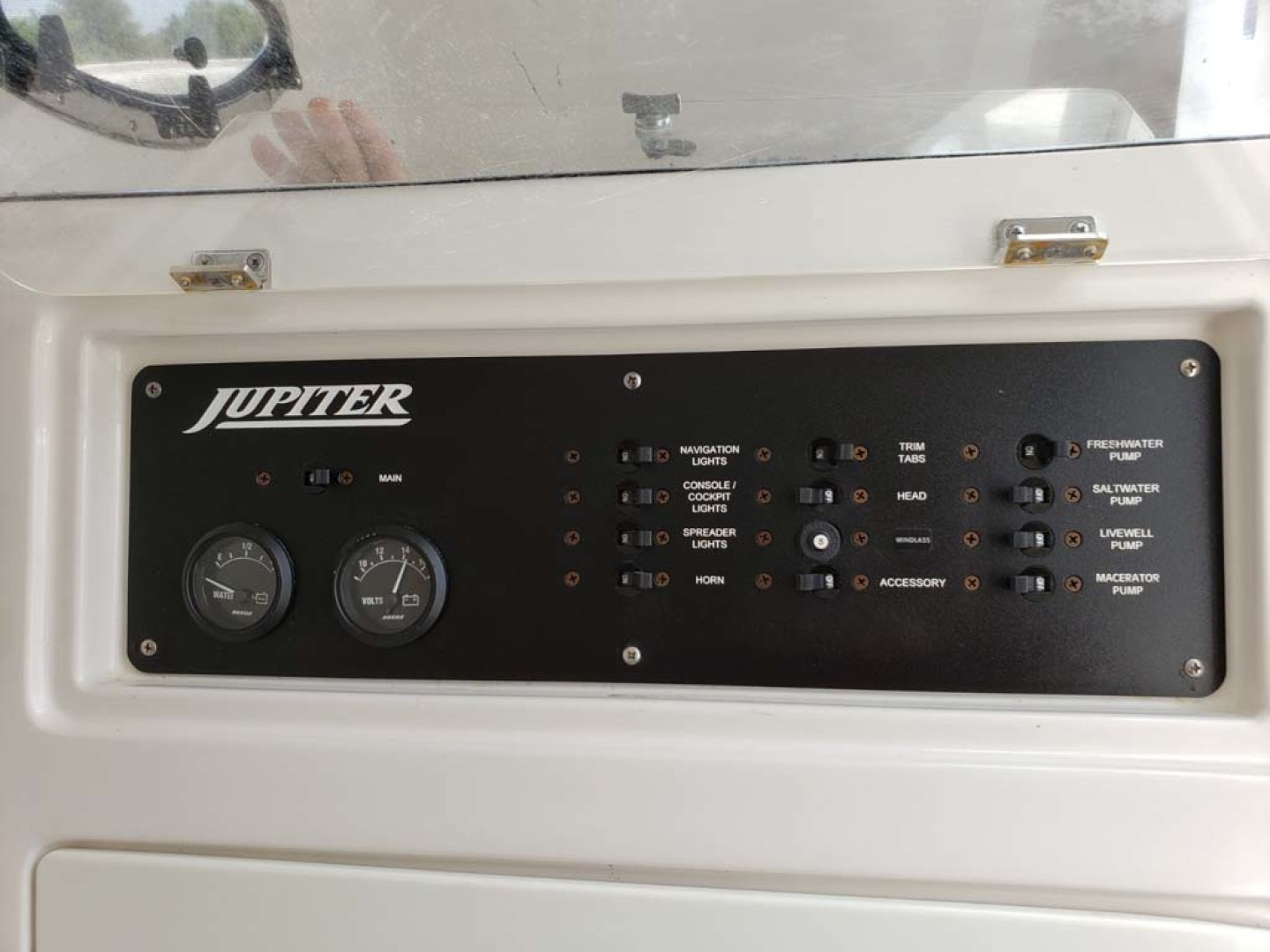 Jupiter-Center Console 2008-Knot Well North Miami-Georgia-United States-Switches-1193647 | Thumbnail
