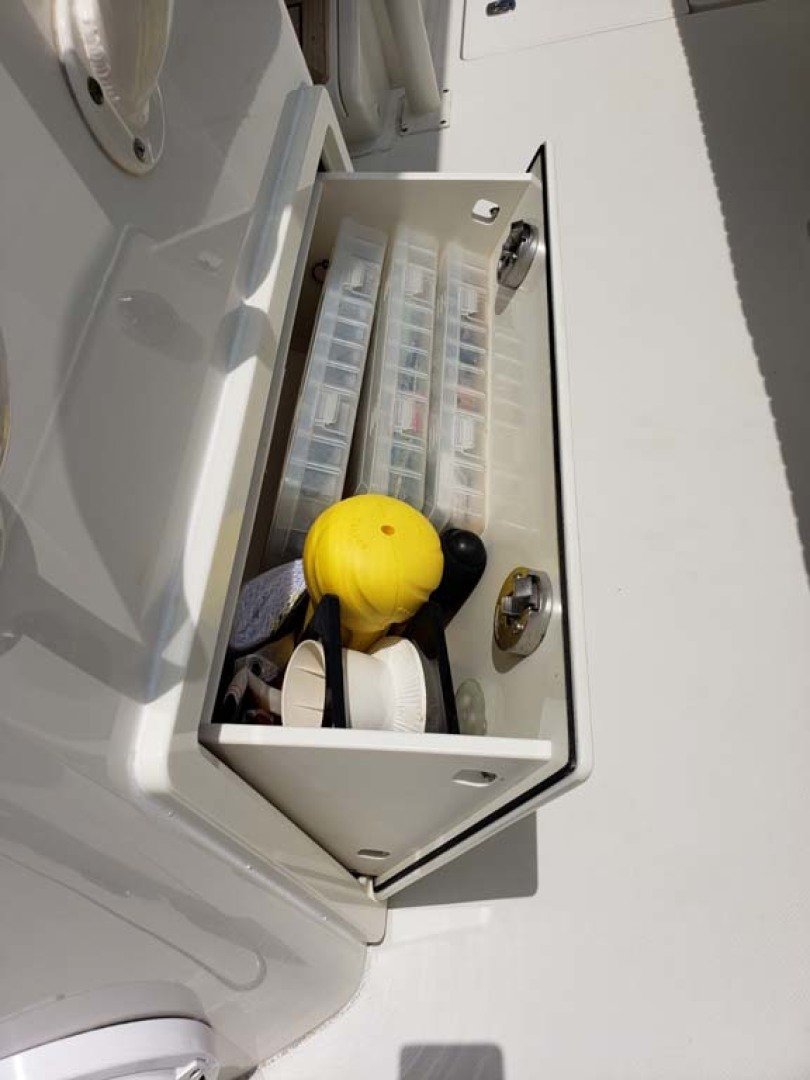 Jupiter-Center Console 2008-Knot Well North Miami-Georgia-United States-Tackle Drawers-1193661 | Thumbnail