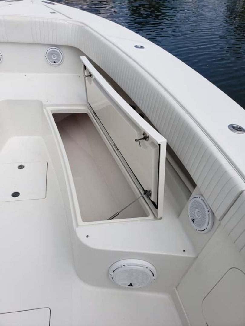Jupiter-Center Console 2008-Knot Well North Miami-Georgia-United States-Bow Storage-1193633 | Thumbnail