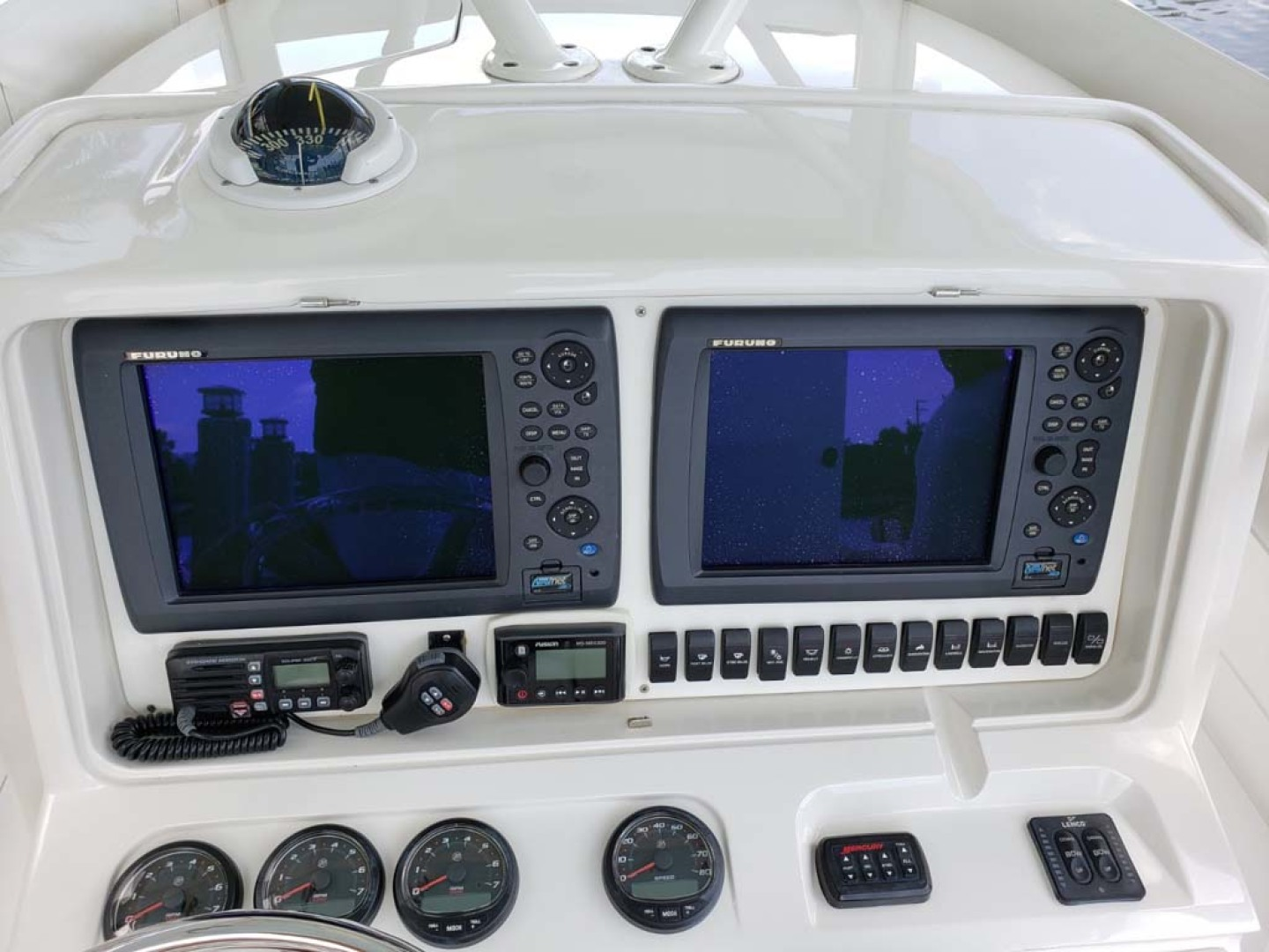 Jupiter-Center Console 2008-Knot Well North Miami-Georgia-United States-Helm Instruments-1193654 | Thumbnail