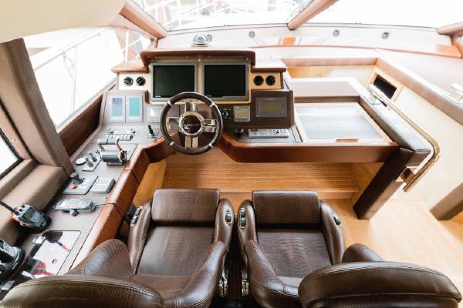 Azimut-Flybridge 2011 -Fort Lauderdale-Florida-United States-1195764 | Thumbnail