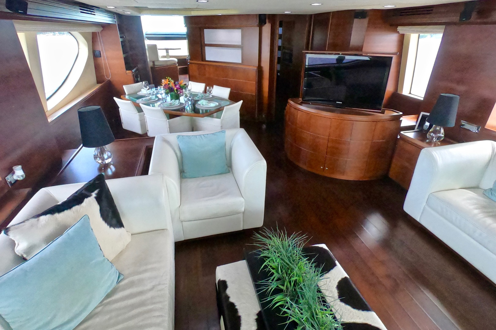 Picture Of: 85' Azimut 85 Flybridge 2009 Yacht For Sale | 2 of 65