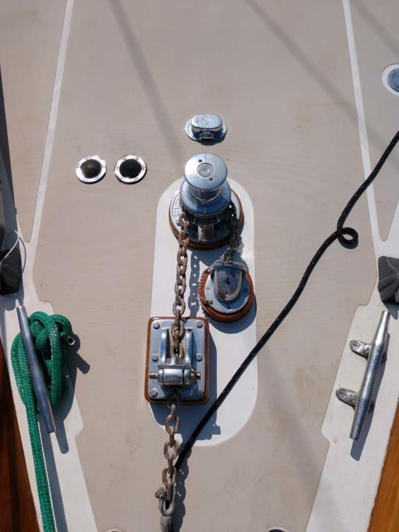 Hinckley-Bermuda 40 MK III Sloop 1979-Evensong Camden-Maine-United States-Windlass-1200149 | Thumbnail