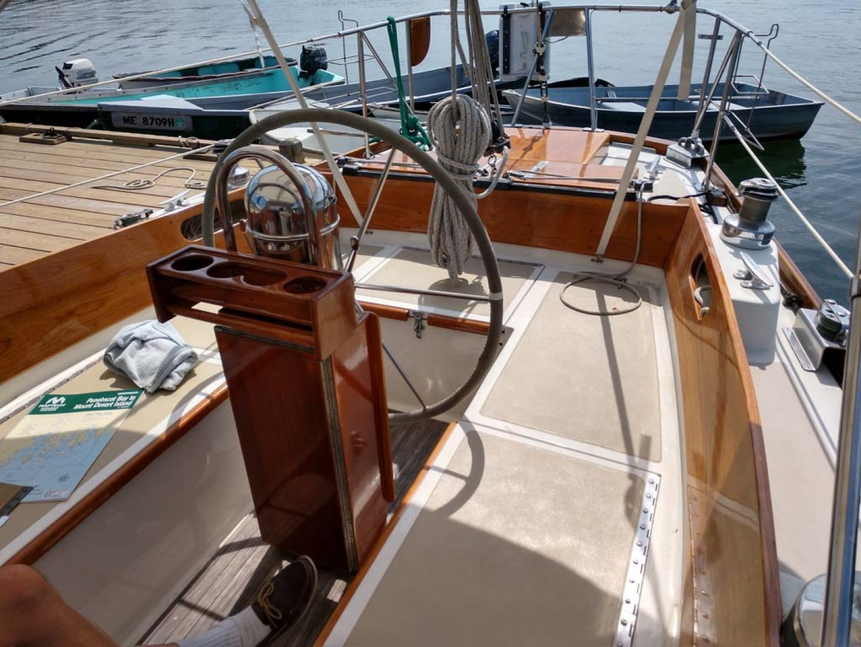 Hinckley-Bermuda 40 MK III Sloop 1979-Evensong Camden-Maine-United States-Cockpit Seating-1200168 | Thumbnail
