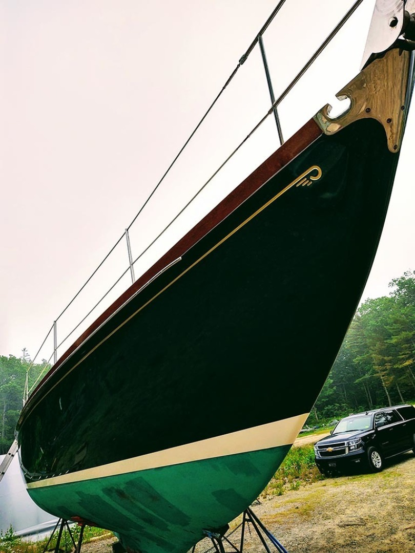 Hinckley-Bermuda 40 MK III Sloop 1979-Evensong Camden-Maine-United States-Fresh Paint   Starboard Bow Hull-1429014 | Thumbnail