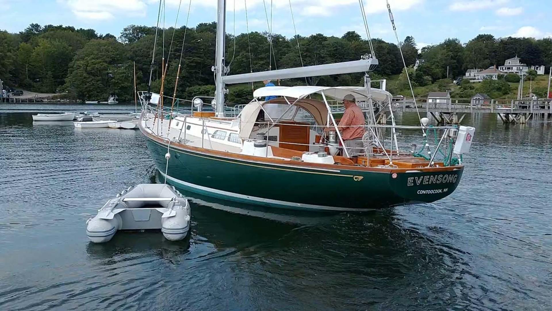 Hinckley-Bermuda 40 MK III Sloop 1979-Evensong Camden-Maine-United States-Port Aft, Dinghy   Moored-1200104 | Thumbnail