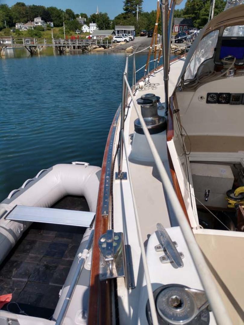 Hinckley-Bermuda 40 MK III Sloop 1979-Evensong Camden-Maine-United States-Portside Deck-1200187 | Thumbnail