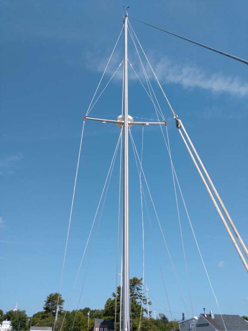 Hinckley-Bermuda 40 MK III Sloop 1979-Evensong Camden-Maine-United States-Mast-1200155 | Thumbnail