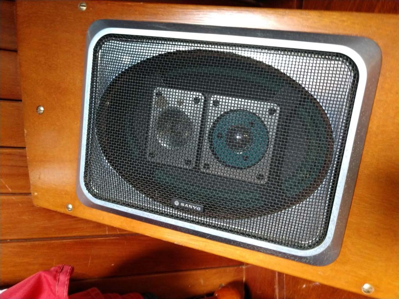 Hinckley-Bermuda 40 MK III Sloop 1979-Evensong Camden-Maine-United States-Sanyo Stereo Speakers-1200140 | Thumbnail