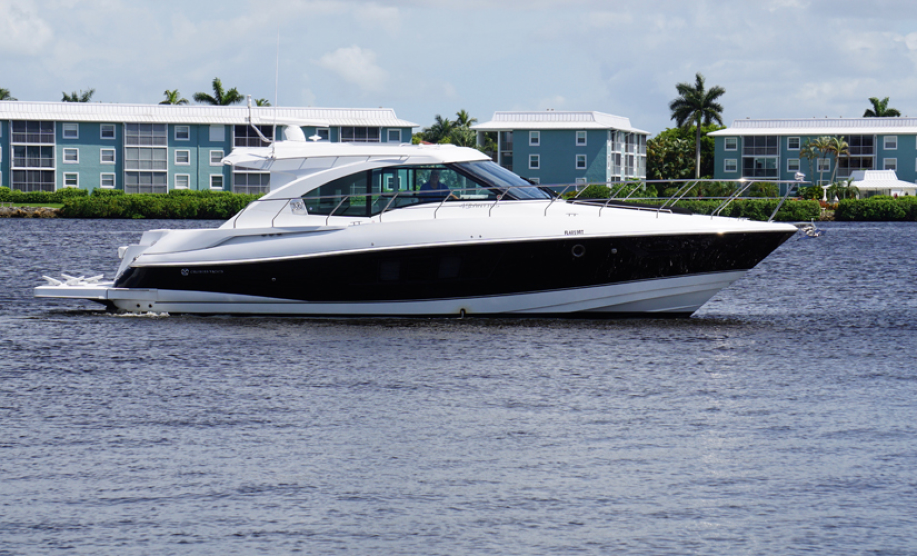Picture Of: 45' Cruisers 45 Cantius 2018 Yacht For Sale   1 of 56