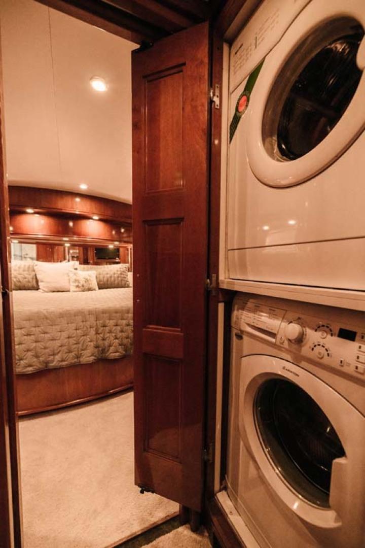Marquis-Flybridge Motor Yacht 2004-Sandy Island Palm Coast-Florida-United States-Washer Dryer-1247884 | Thumbnail