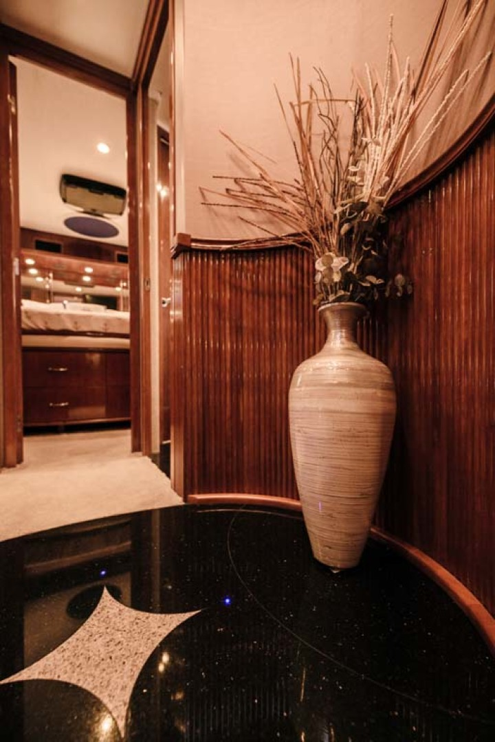 Marquis-Flybridge Motor Yacht 2004-Sandy Island Palm Coast-Florida-United States-Companionway-1247881 | Thumbnail
